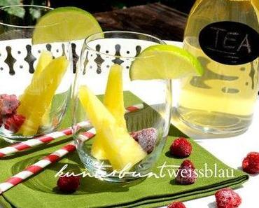 Grüner Eistee mit Sommerfrüchten