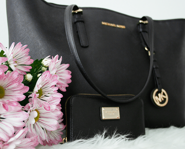 What's In My Michael Kors Bag + School Bag Guide