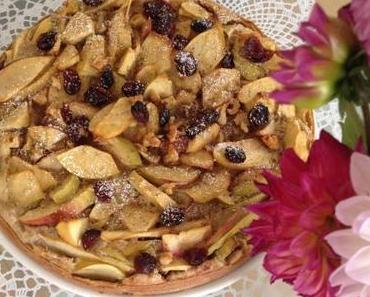 So lecker: Apfelkuchen mit Cranberrys und Nüssen (perfekt für gemütliche Sonntag-Nachmittage)