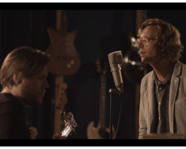 Erlend Øye – Fence Me In – Studiosession (Video)