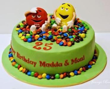 Eine Torte mit ganz vielen M&M's...