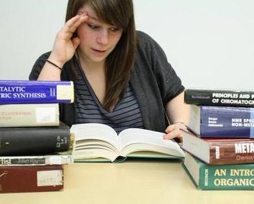 Berufsbegleitend oder Vollzeit: Der Weg zum Bachelor