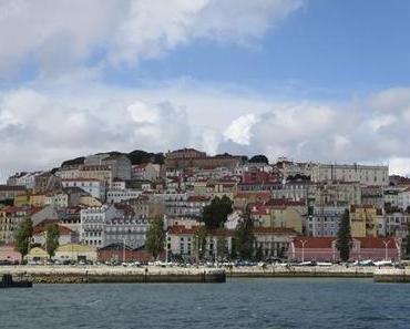Hafenrundfahrt Lissabon: Begegnung mit zwei Kreuzfahrt-Giganten