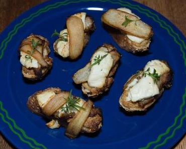 Birnencrostinis mit Ziegenfrischkäse (lacto-vegetarisch)