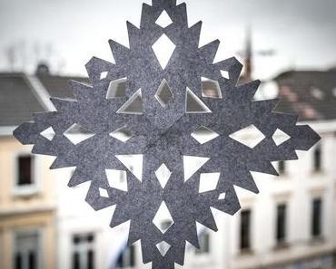 Schneeflocken-Scherenschnitt-Tag – der amerikanische Make Cut-out Snowflakes Day