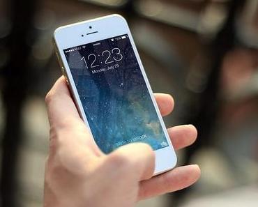 Zwei von drei Deutschen nutzen ein Smartphone