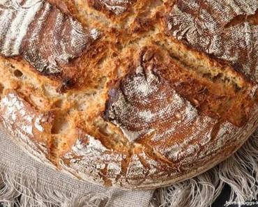 Dinkel-Roggen-Brot mit Ayran & Couscous