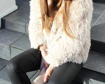 OUTFIT – YETI.