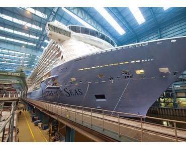 Meyerwerft: Ausdocken Anthem of the Seas - Schiff verlässt die Baudockhalle II