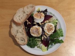 [Rezept] Rote-Bete-Salat mit Chili-Ziegenkäse