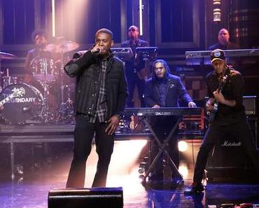 "GZA und Tom Morello bei ""The Tonight Show"""