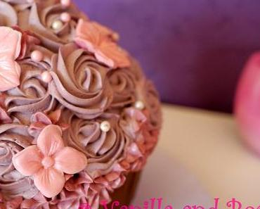 My first Giant Cupcake | Mein erstes Riesen-Cupcake *vegan*