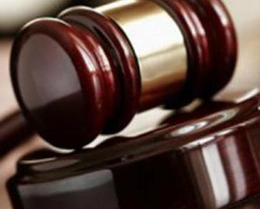 Richterin schmeißt Muslima aus dem Gerichtssaal raus, weil sie Kopftuch trägt