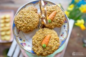 Osterkekse mit Haferflocken und Karotten