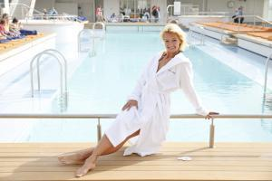 Franziska van Almsick tauft die Mein Schiff 4 von TUI Cruises