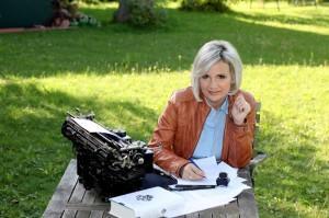 Fragen an die Schriftstellerin Hanni Münzer… Ein Blick hinter die Buchstaben #2: Neue Fragen, neue Gäste auf Boschers Blog