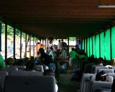 Mit dem Boot durch Laos