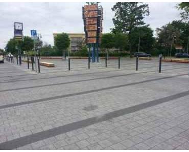 Berlinspiriert Bildergalerie: Sitzen am S-Bahnhof Teltow